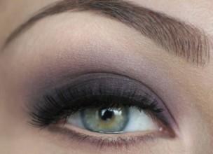 Макияж для серых глаз. Фиолетовый макияж поэтапно
