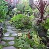 Как сделать дорожки в саду своими руками?