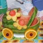 podelki-iz-ovoshhej-i-fruktov-svoimi-rukami (10)