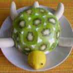 podelki-iz-ovoshhej-i-fruktov-svoimi-rukami (21)