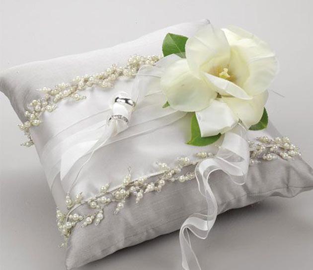 Орхидея из бумаги с конфетой своими руками